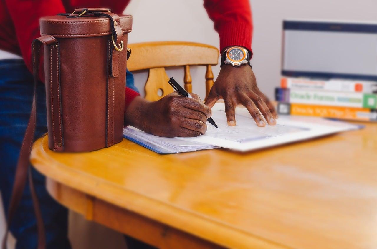 Signature d'un compromis de vente : 5 erreurs à éviter