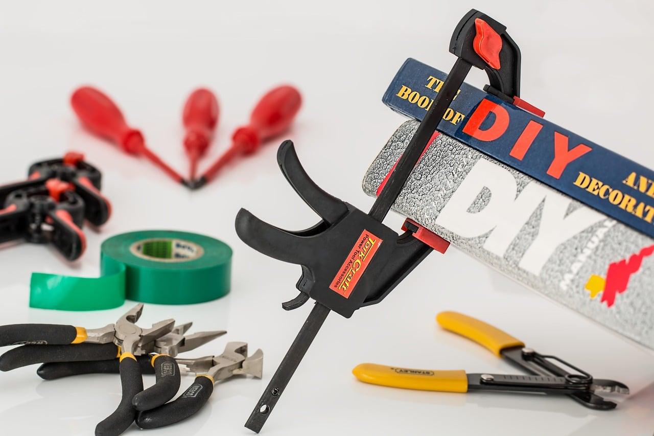 5 outils indispensables pour le bricolage