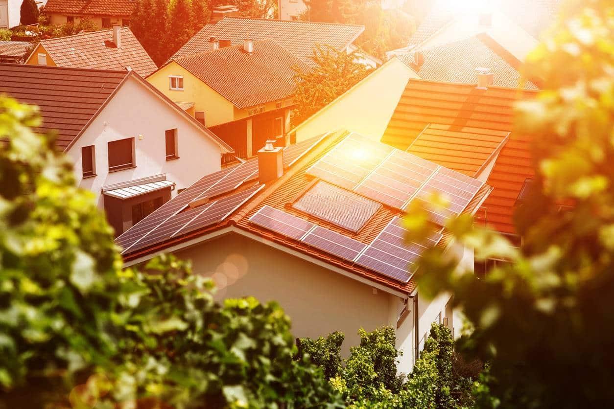 Panneaux solaires soleil